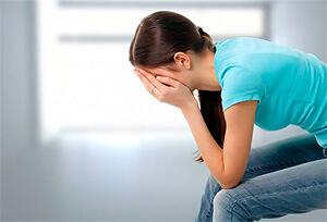 При минимальной пользе при лечении болезней ромашка достаточно опасна при беременности.